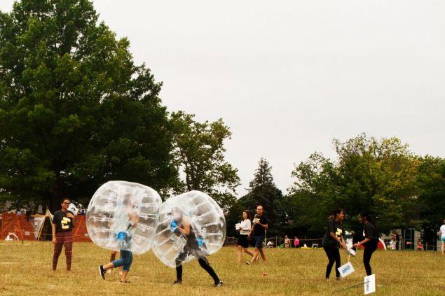 """The clash of bubbles! A race begins in ESI Design's """"Tough Bubbler."""""""
