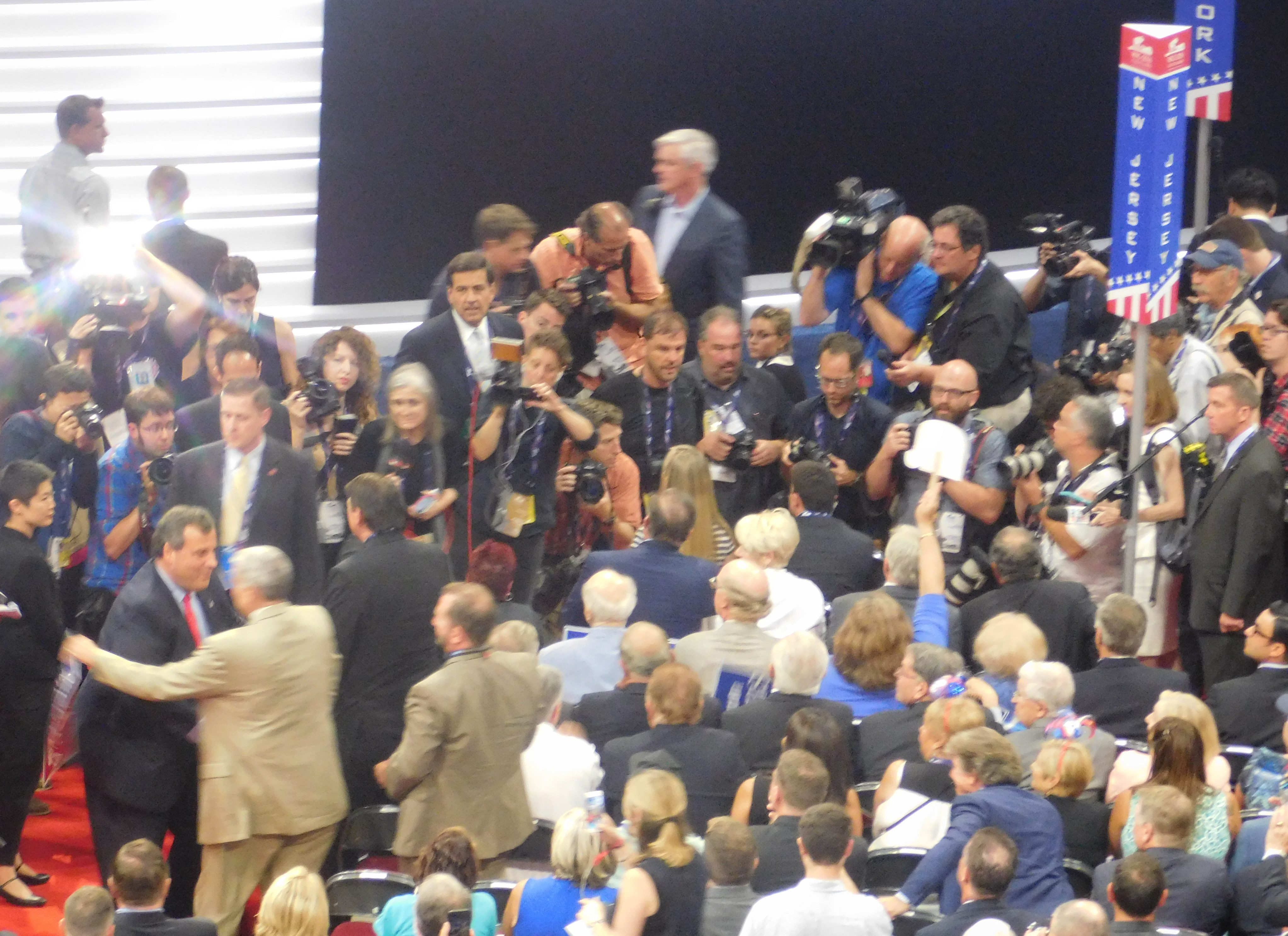 Christie (bottom left) greets members of the NJ delegation.