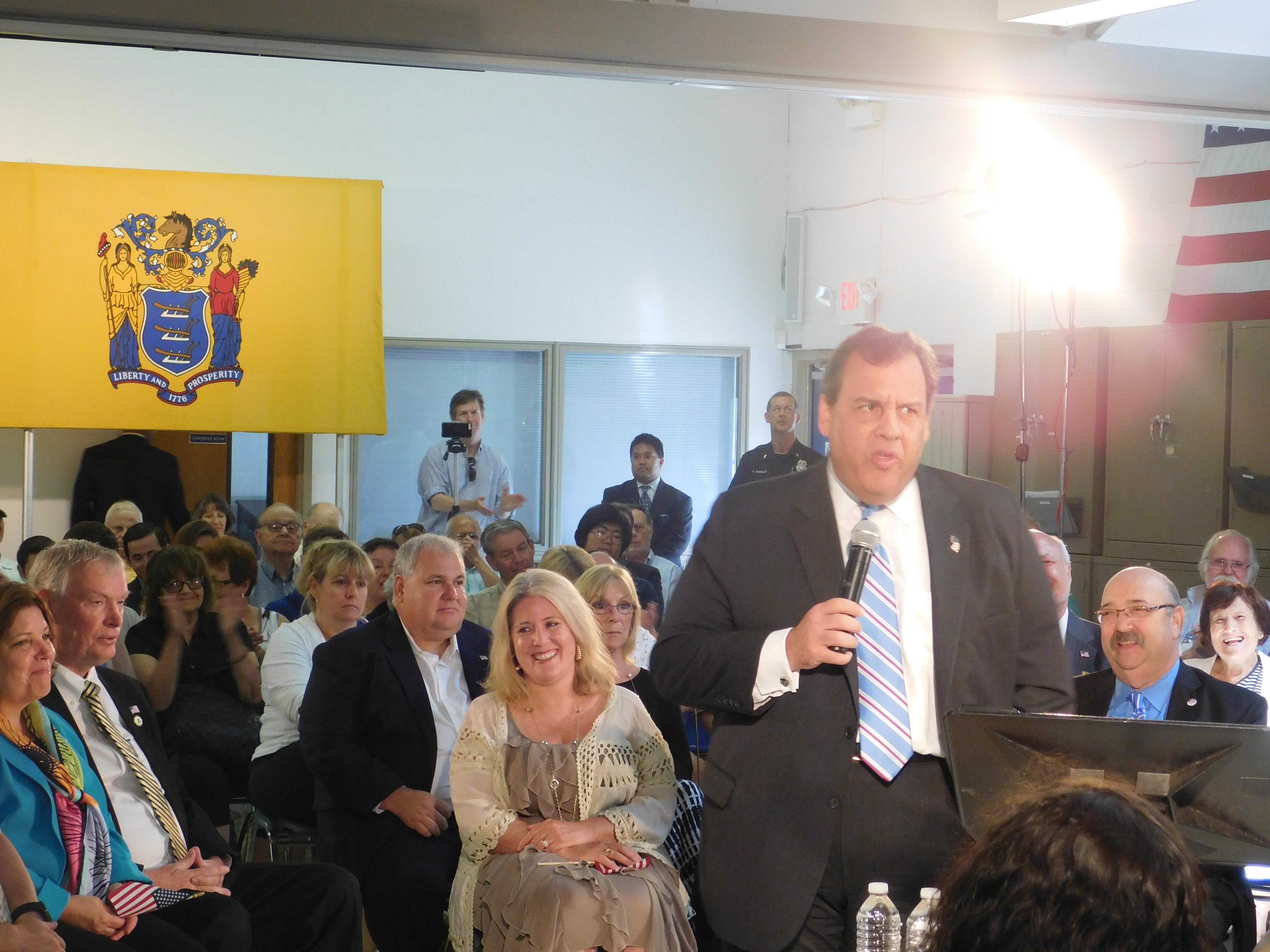 Governor Christie discusses school funding in Fair Lawn.