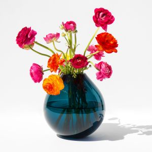 With a vase like this, changing the world has never seemed so easy. Or fashionable.