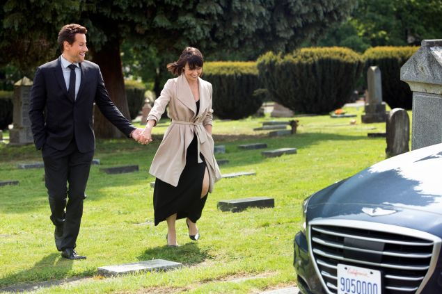 Ioan Gruffudd and Constance Zimmer in UnREAL.