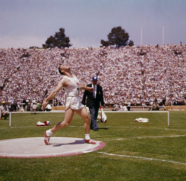 American athlete Al Oerter (1937 - 2007) competes in the discus throw, circa 1965