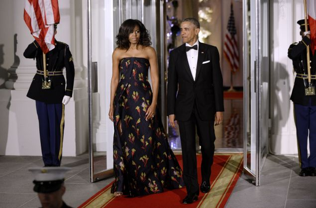 First Lady Michelle Obama and President Barack Obama arrive to welcome Canadian Prime Minister Trudeau and First Lady Sophie Trudeau of Canada at the North Portico of the White House on March 10, 2016 in Washington, D.C.