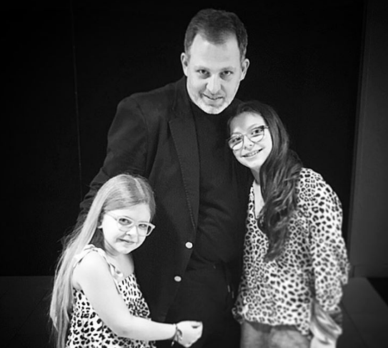 Kobi Halperin posed with his daughters on Father's Day.