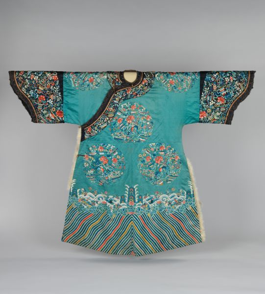 Woman's ceremonial robe, Qing dynasty 19th century China