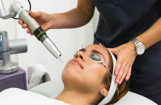 Skin Laundry uses a laser to deep clean and give a full facial in 15 minutes.