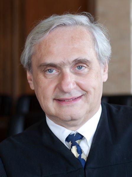 Judge Alex Kozinski of the 9th U.S. Circuit Court of Appeals.