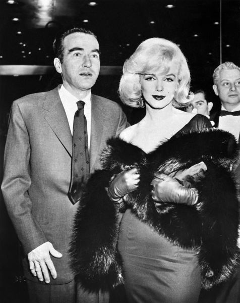 Montgomery Clift and Marilyn Monroe, just hanging out.