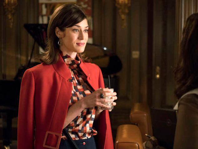 Lizzy Caplan as Virginia Johnson.