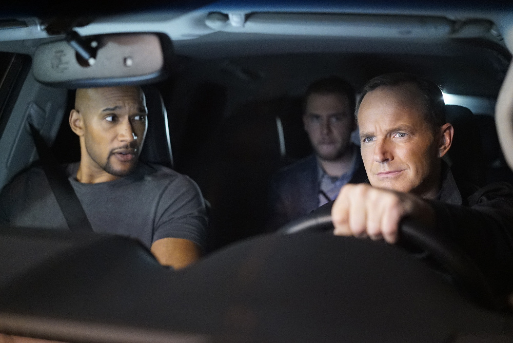 Henry Simmons and Clark Gregg in Marvel's Agents of S.H.I.E.L.D.