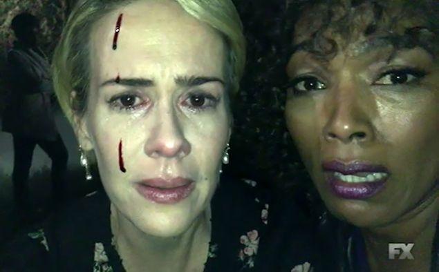 Sarah Paulson and Angela Bassett take a cute selfie together in American Horror Story: Roanoke.