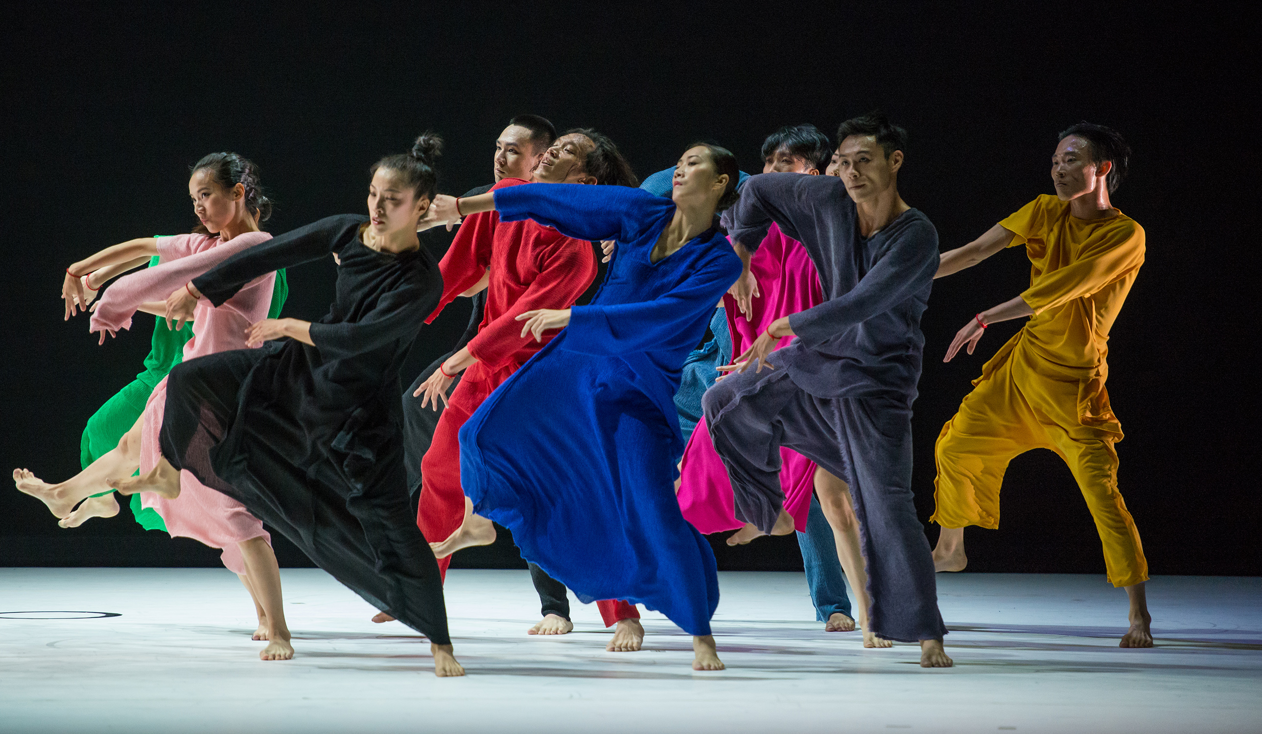 11Fall for Dance at City Center on October 7, 2016. Dance companies performing: Pictured: Cloud Gate 2 performing Beckoning (US Premiere), Choreography by Cheng Tsung-Lung