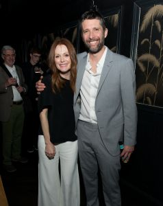 Julianne Moore and Bart Freundlich are evidently big fans of the neighborhood.