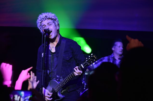 Billie Joe Armstrong performs at Geezer premiere.