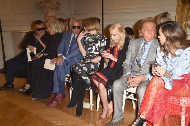 A casual front row: Alber Elbaz, Maria Grazia Chiuri, Giancarlo Giammetti, Anna Wintour, Franca Sozzani, Valentino and Jessica Alba at Valentino