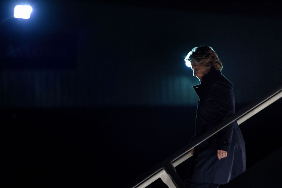 Democratic presidential nominee Hillary Clinton arrives at Westchester County Airport October 3, 2016 in White Plains, New