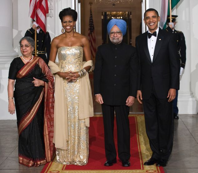 Michelle Obama with Barack Obama, Indian Prime Minister Manmohan Singh and his wife Gursharan Kaur.