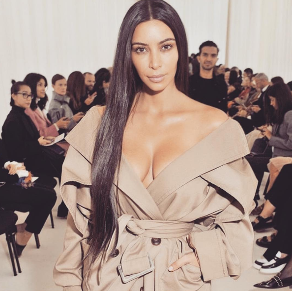Kim Kardashian's no makeup photo at Balenciaga.
