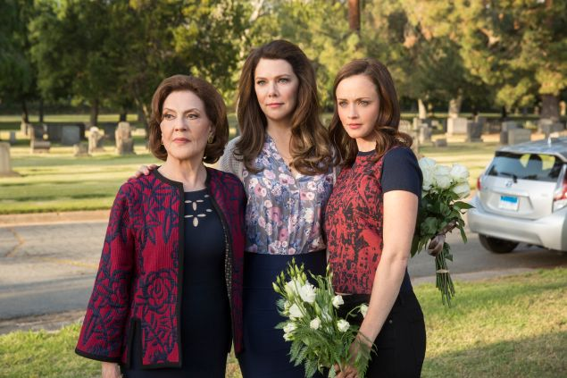 Kelly Bishop, Lauren Graham and Alexis Bledel in Gilmore Girls: A Year in the Life.