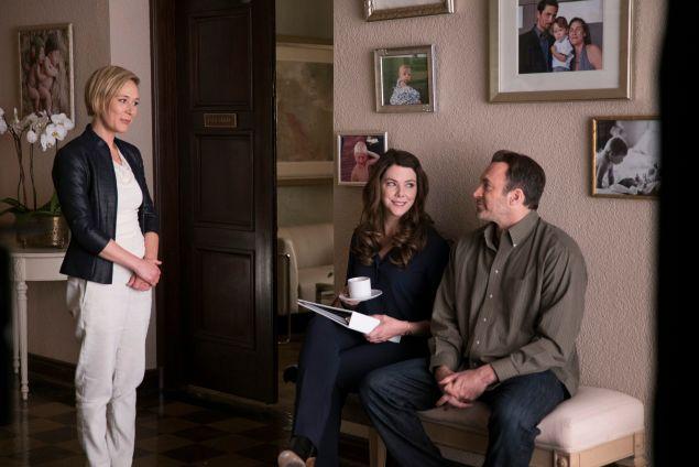 Liza Weil as Paris Geller, Lauren Graham as Lorelai Gilmore and Scott Patterson as Luke Danes.