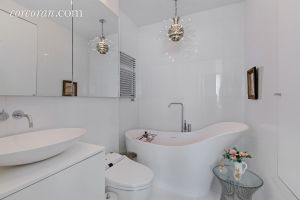 A few questions about the practicality of this bathtub.