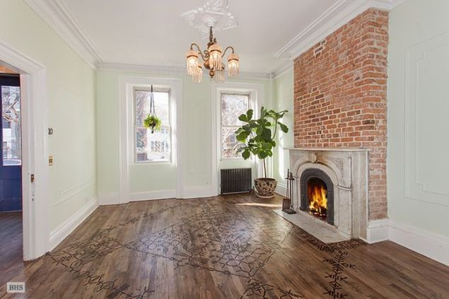 Cyber Monday sale for Lake Bell's brownstone?