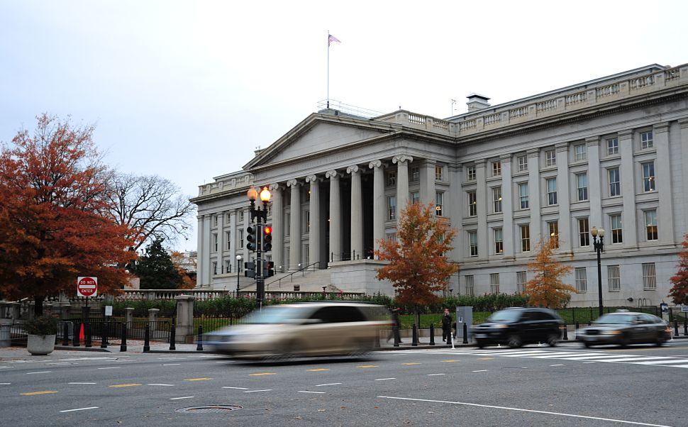 This November 15, 2011 photo shows the US Treasury Building in Washington, DC. AFP PHOTO/Karen BLEIER