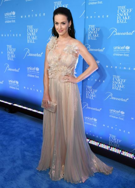 Katy Perry in Marchesa.