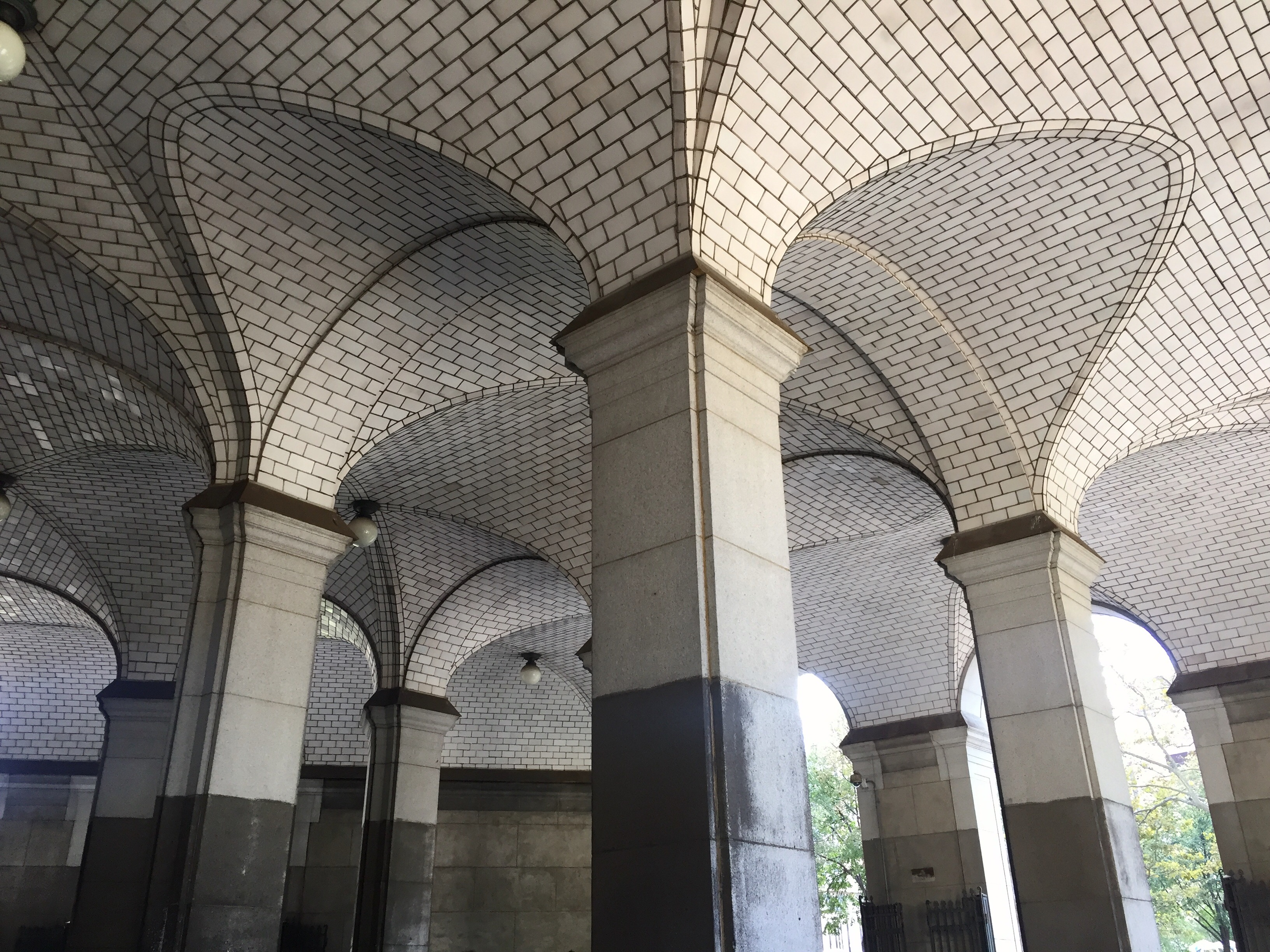 Chambers Street station boasts lofty vaulted ceilings and soaring arches.