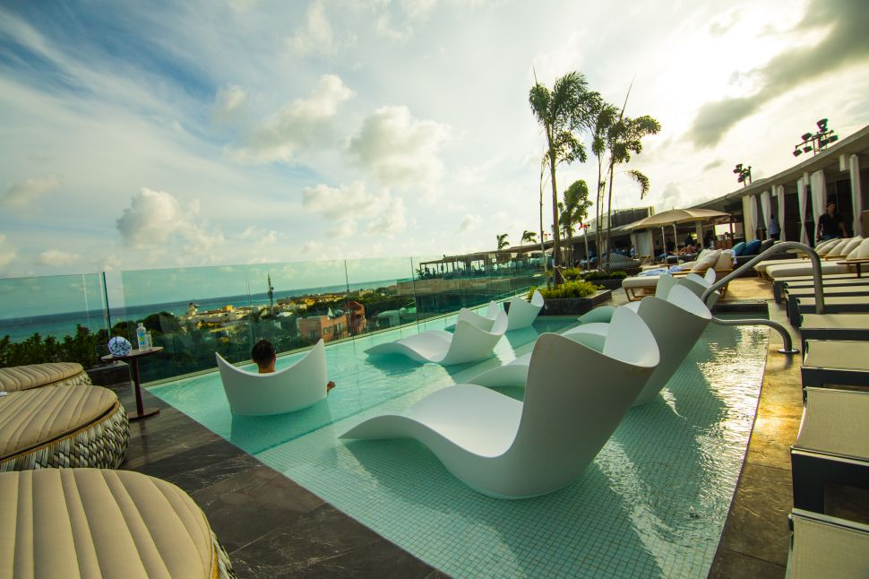 The rooftop pool at Thompson Playa Del Carmen