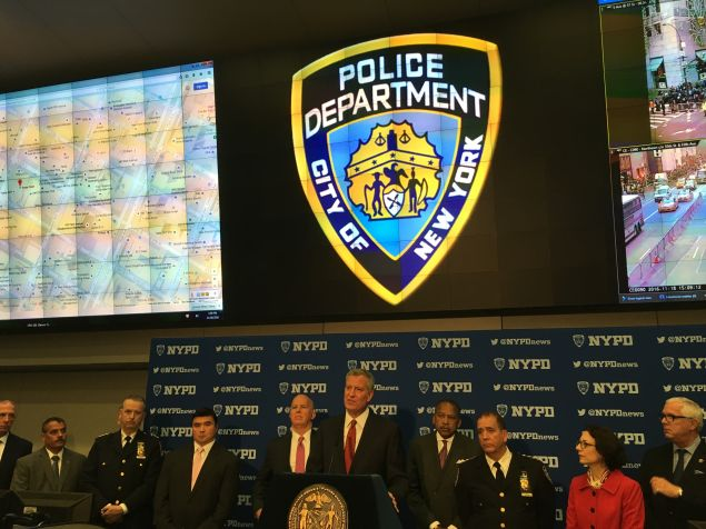 Mayor Bill de Blasio and Police Commissioner James O'Neill discuss security around Trump Tower.