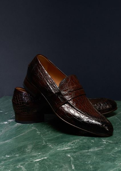 Tasteful loafers make the perfect present.