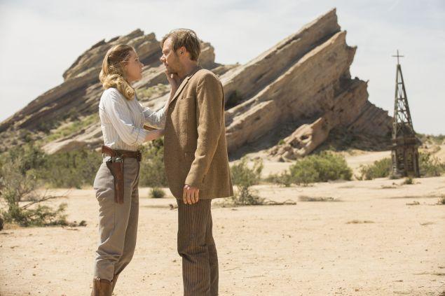 Evan Rachel Wood as Dolores and Jimmi Simpson as William.