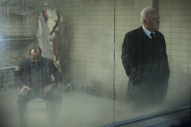 Jeffrey Wright as Bernard and Anthony Hopkins as Robert Ford.