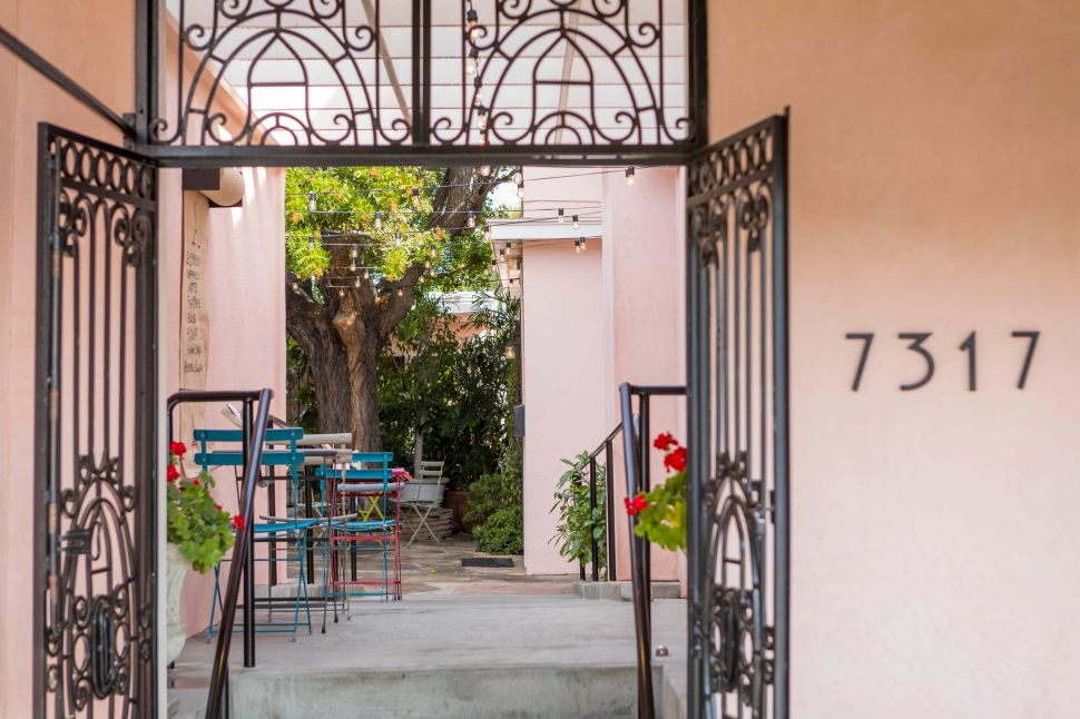 This Los Angeles courtyard feels like Europe.