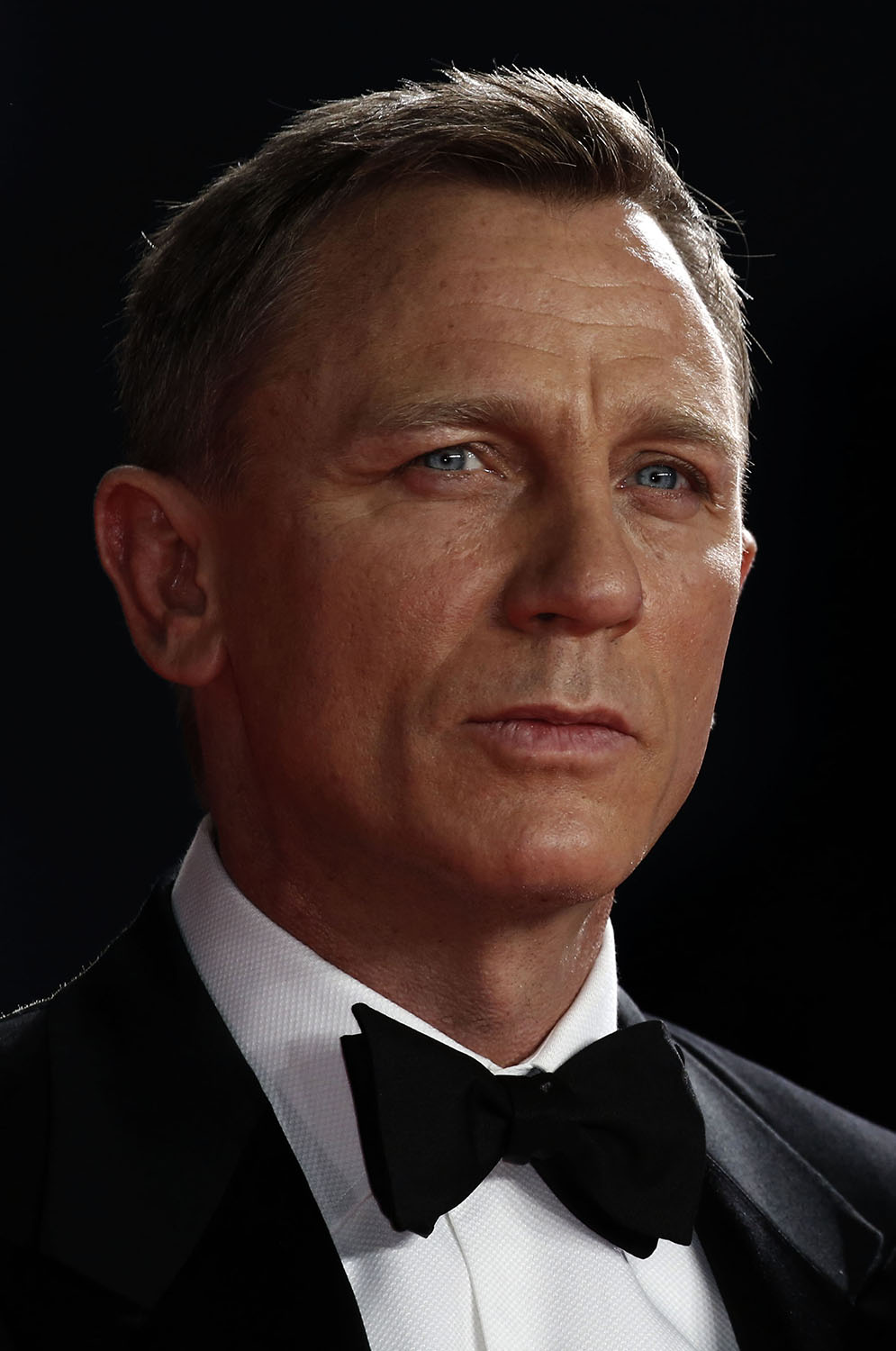"""LONDON, ENGLAND - OCTOBER 26: Daniel Craig attends the Royal Film Performance of """"Spectre"""" at Royal Albert Hall on October 26, 2015 in London, England. (Photo by John Phillips/Getty Images)"""