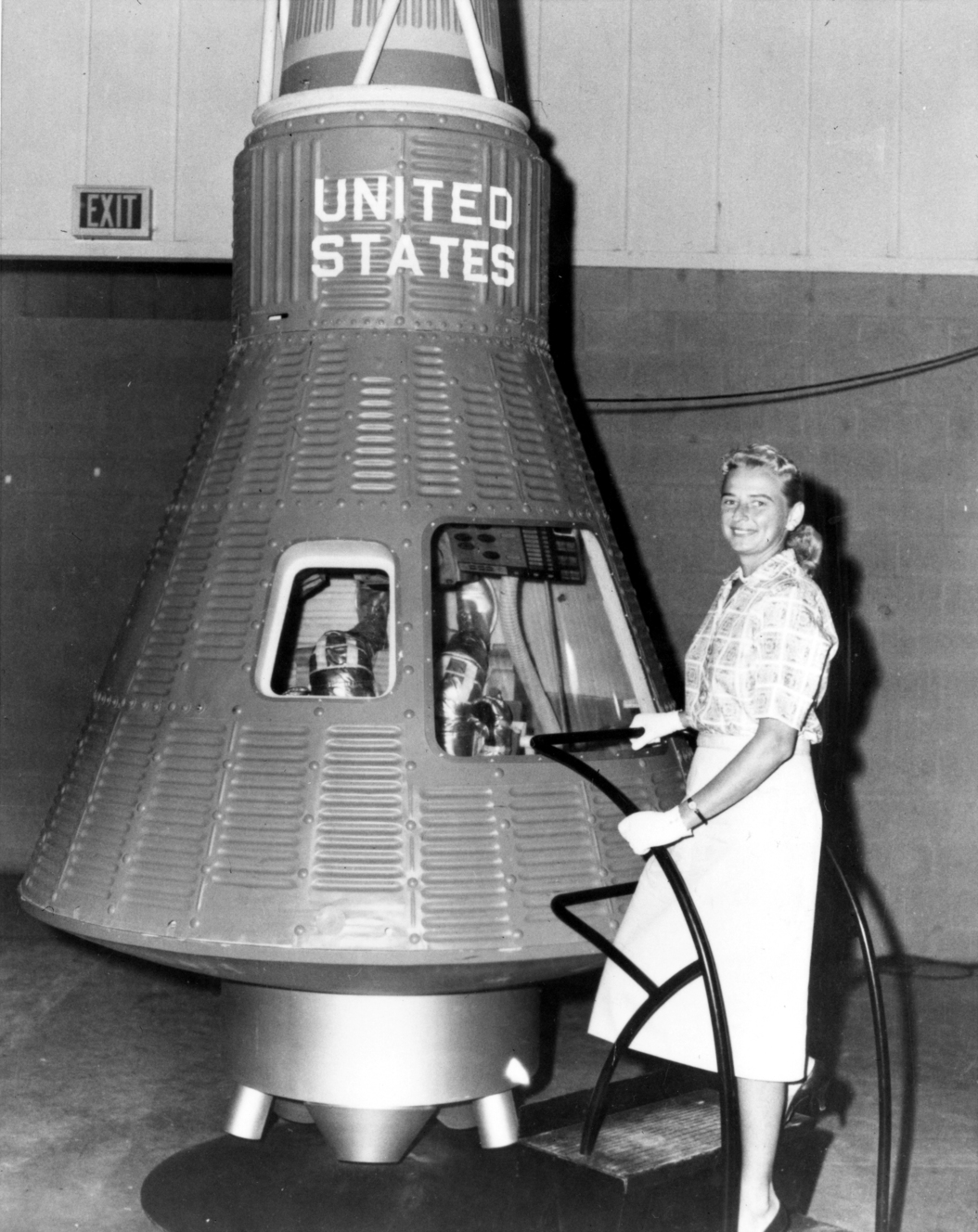 Although Jerrie Cobb never flew in space, she and 24 other women underwent physical tests similar to those taken by the Mercury astronauts with the belief that she might become an astronaut trainee.