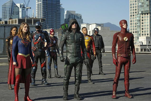(L-R): Maisie Richardson- Sellers as Vixen, Melissa Benoist as Supergirl, Brandon Routh as Atom, Nick Zano as Steel, Stephen Amell as Green Arrow, Franz Drameh as Jax Jackson, David Ramsey as John Diggle and Grant Gustin as The Flash.