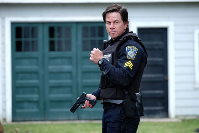 Mark Wahlberg as Tommy Saunders.