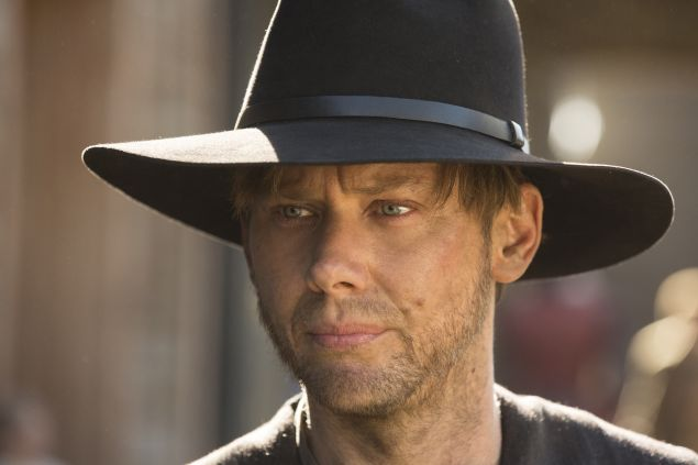 Jimmi Simpson as William.