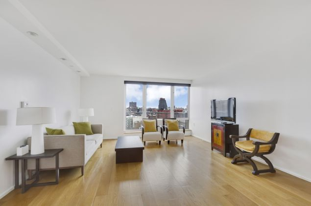 Don Lemon just sold this Harlem condo.