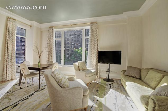 Sandy Weill purchased this unit along with his infamous penthouse at 15 Central Park West.