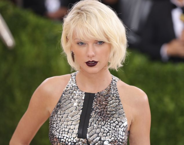 Taylor Swift wants her Beverly Hills home to be a designated landmark.