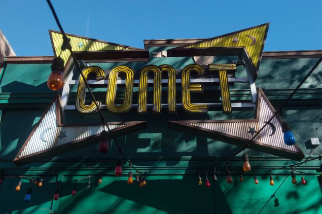 An assault rifle-wielding gunman's appearance at a Washington pizzeria that was falsely reported to house a pedophile ring has elevated worries over the unrelenting rise of fake news and malicious gossip on the internet. No one was injured when 28-year-old Edgar Maddison Welch strode into the Comet Ping Pong restaurant, packed with families on a Sunday afternoon, and fired off a round from his AR-15.