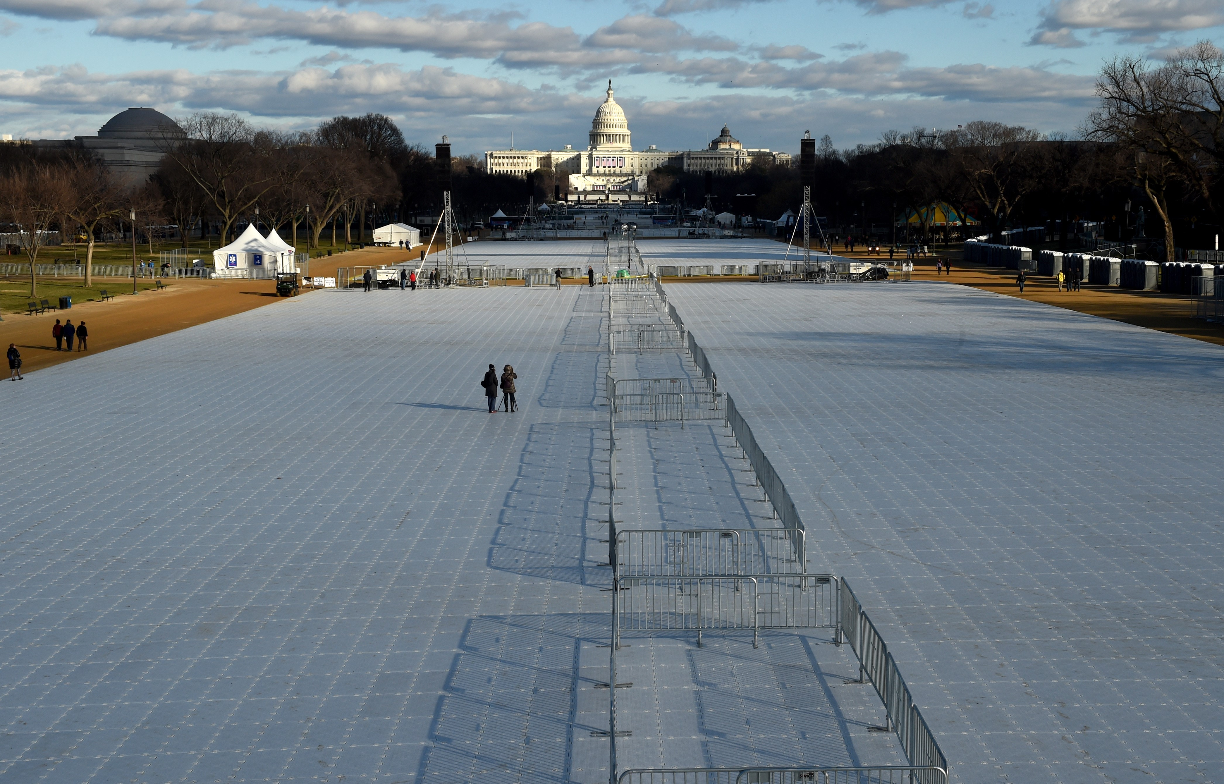 Washington DC is preparing the Inauguration of Donald Trump to take place January 20, 2017 at the US Capitol.