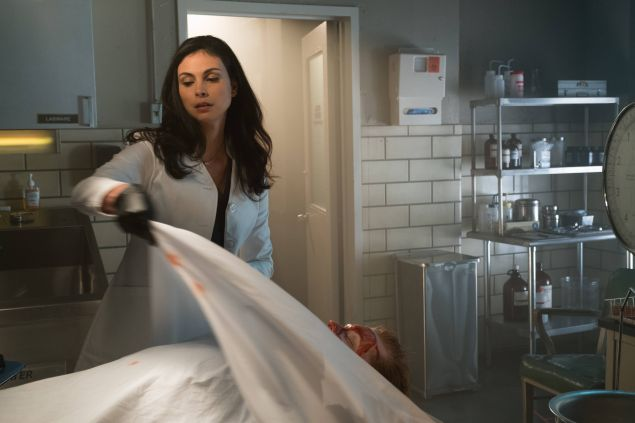 Morena Baccarin as Leslie Thompkins.