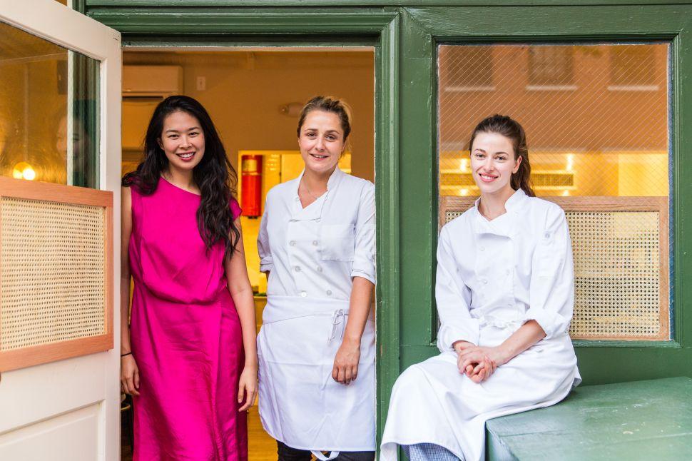 Annie Shi, Jess Shadbolt, Clare de Boer.