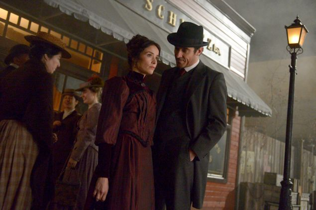 Abigail Spencer as Lucy Preston and Goran Visnjic as Garcia Flynn.