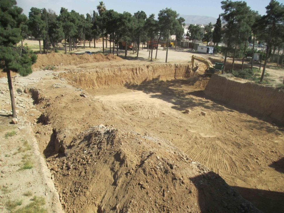 Excavation by Revolutionary Guards at the Bahá'í Cemetery in Shiraz. 8 May 2014.
