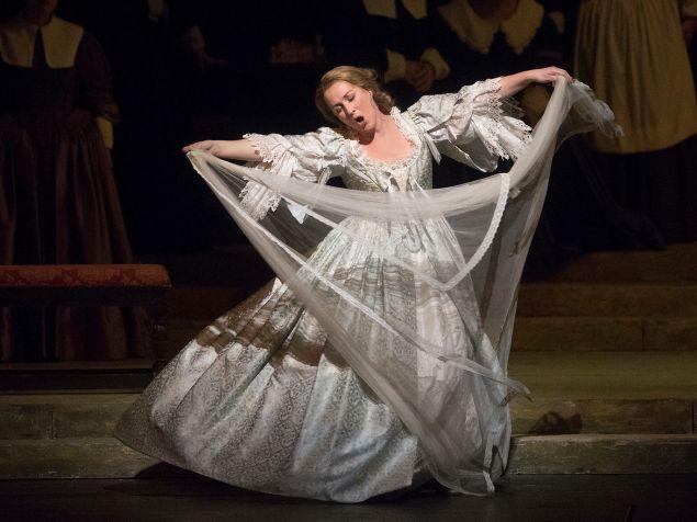 """Diana Damrau in Bellini's """"I Puritani.'"""